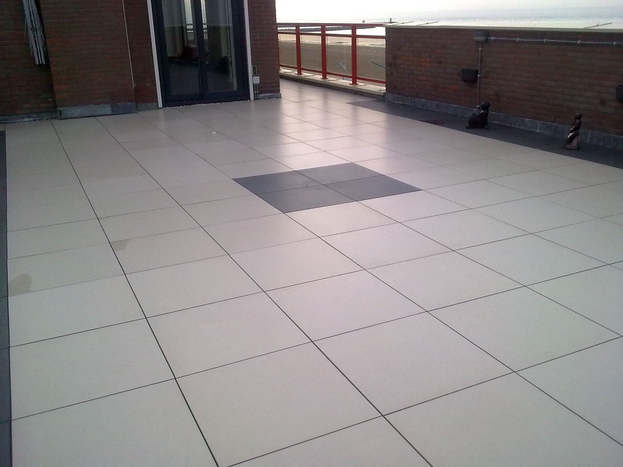 Aanbieding keramische tegels beach 60x60x2 for Tegels voor dakterras