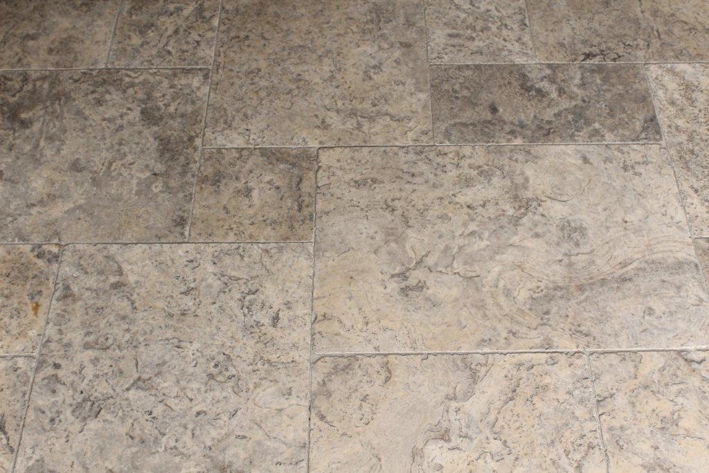 Travertin zilver grijs getrommeld romaans verband 0x0x1 3 - Tegel grijs antraciet gepolijst ...
