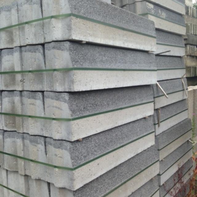 Trottoirbanden basalt (100+ stuks)