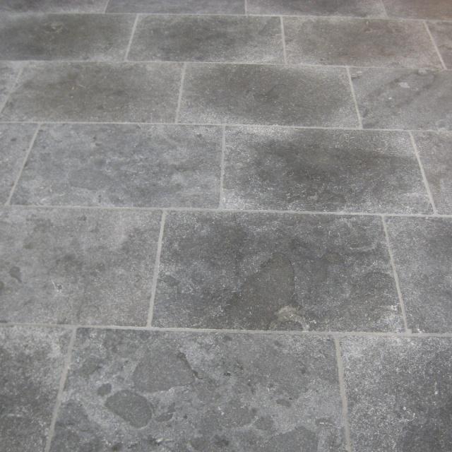 Chinees Hardsteen Binnen.Chinees Hardsteen Rustique 60x60x2 Slimbestraten Nl